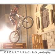 Cascadorii pe bicicleta